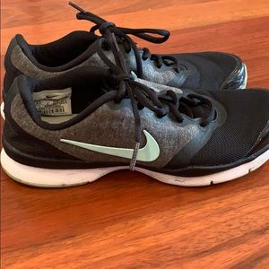 Nike training shoes. Great condition. Size 6.5